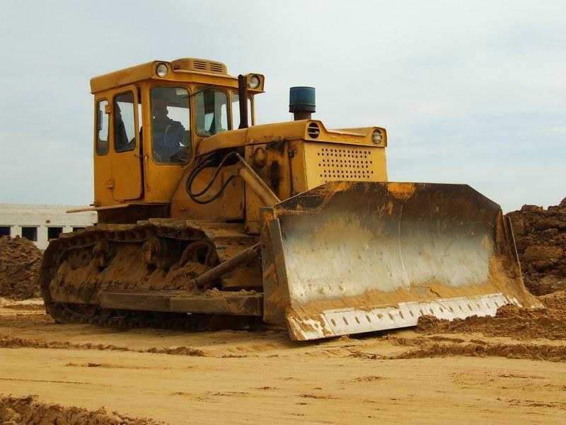 Разработка грунта при помощи бульдозеров
