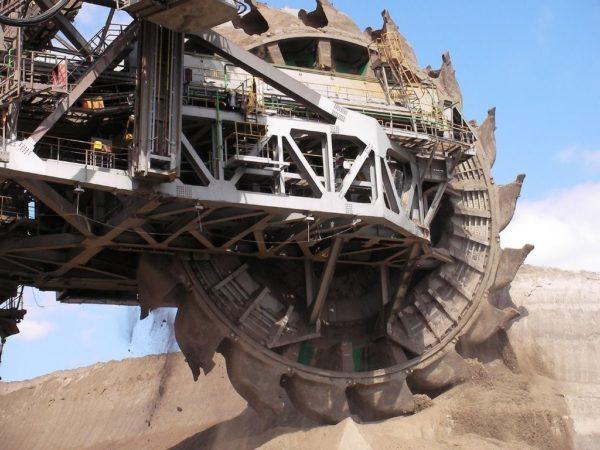 выемка грунта ковшами на роторе