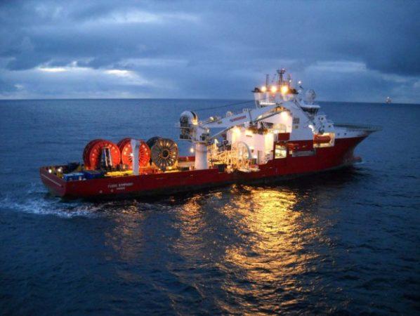 кабелеукладчик в море